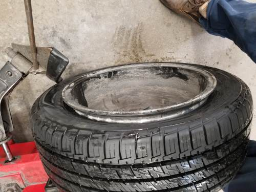 complete unseating of the inner bead of the tire
