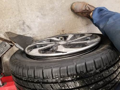 complete unseating of the outer bead of the tire