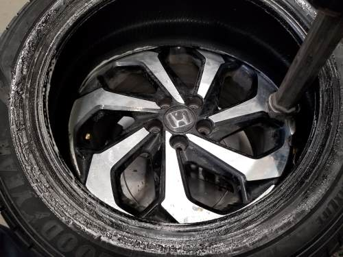mounting the inner bead of the tire