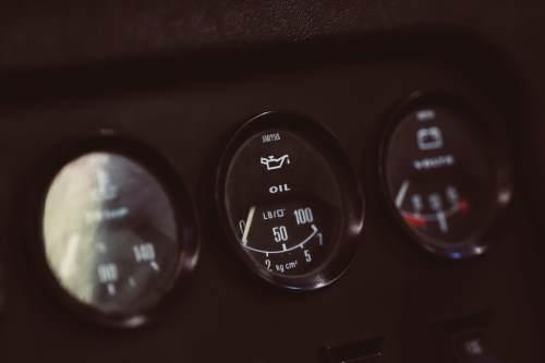 motor oil gauge